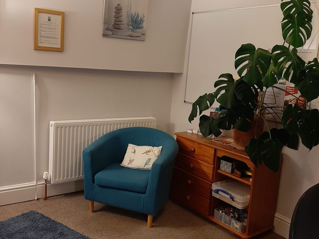 Barnstaple support room - comfy chairs, plants and homely feel